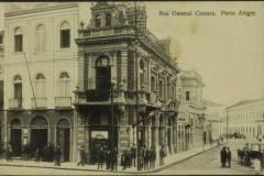 Cartões postais da esquina do Largo dos Medeiros mostrando a confeitaria Central. Arquivo desconhecido.