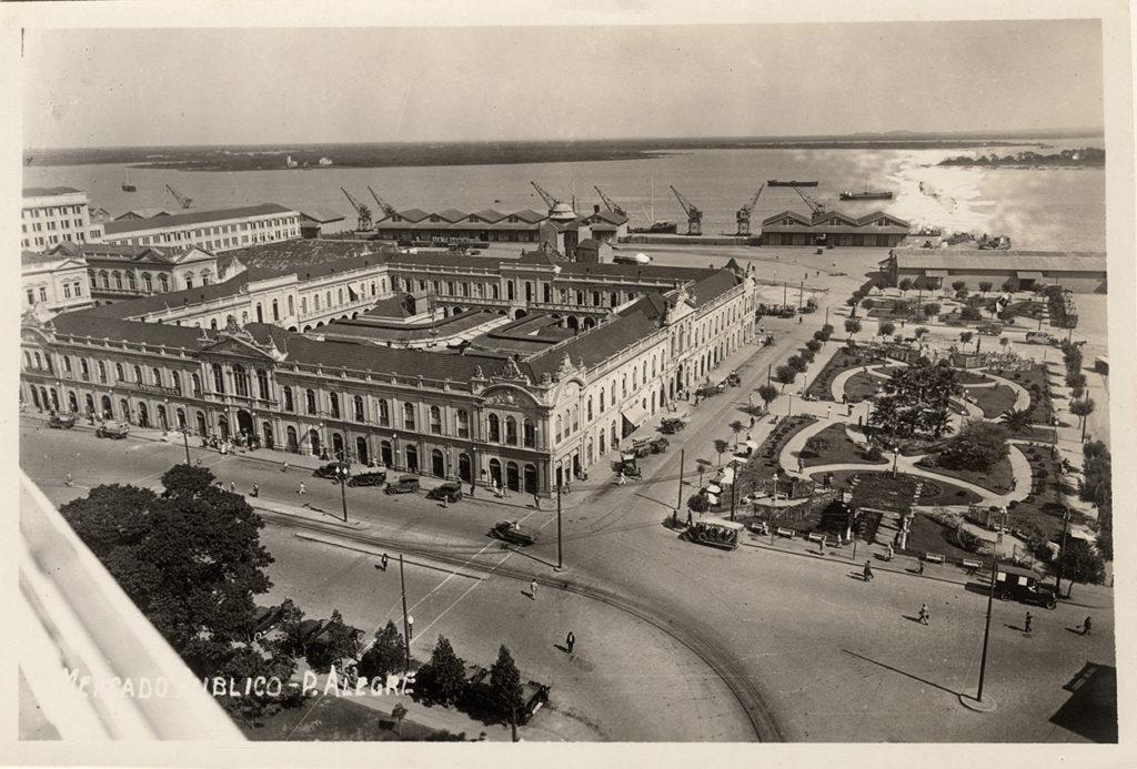 Foto 4649f, autor-desconhecido. Coleção dr. J. P. Ribeiro Netto-Mercado Público e Praça Parobé, décadas de 1920-30_w
