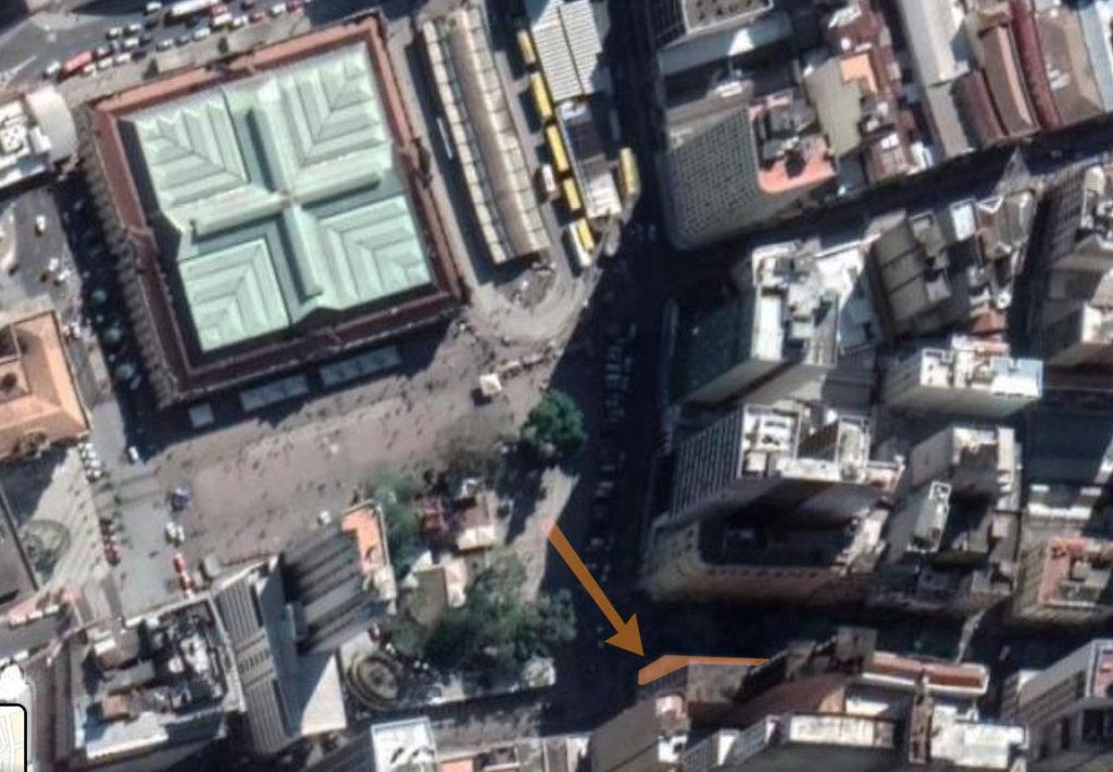 O prédio da antiga Casa Carvalho em foto de satélite atual (Google Maps, 2020).