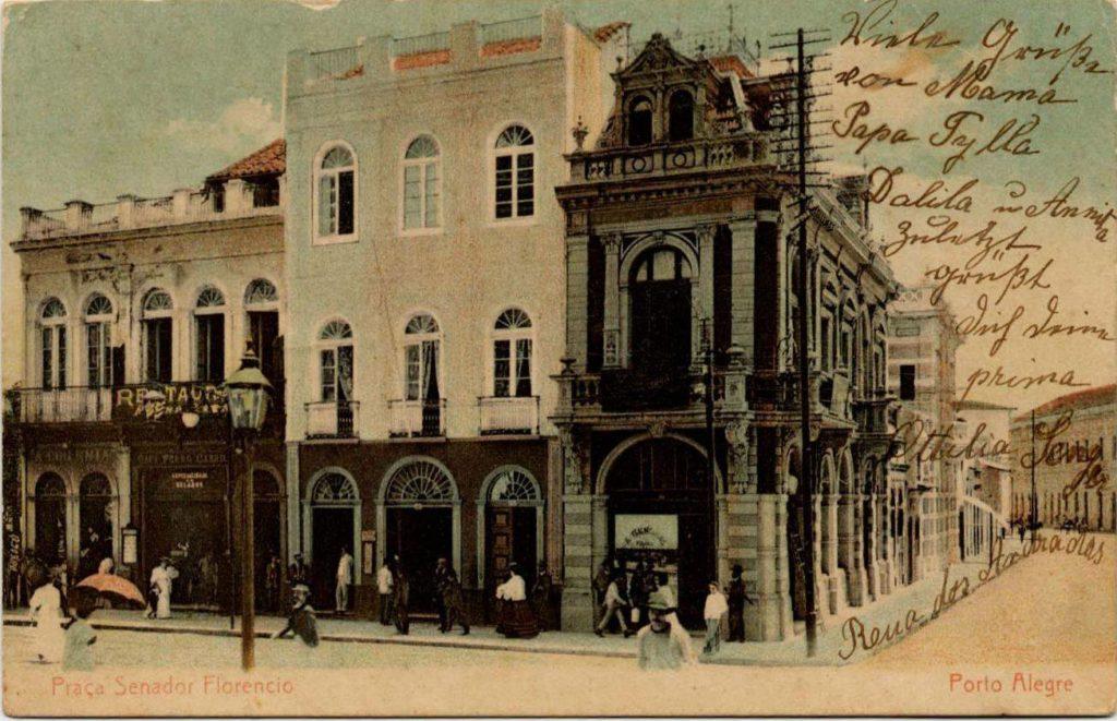 Cartões postais da esquina do Largo dos Medeiros mostrando a confeitaria Central.