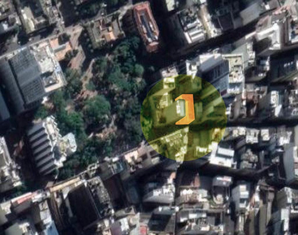 Mapa do Google Earth mostrando o Largo dos Medeiros (amarelo) e a localização da Confeitaria Colombo (vermelho).