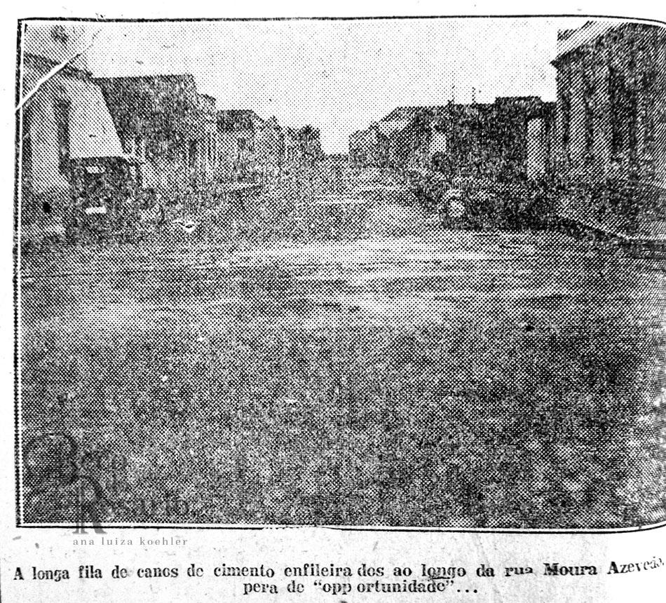 Canos expostos na rua Moura Azevedo. Correio do Povo, 07/07/1927. Hemeroteca do Museu de Comunicação Social Hipólito José da Costa.