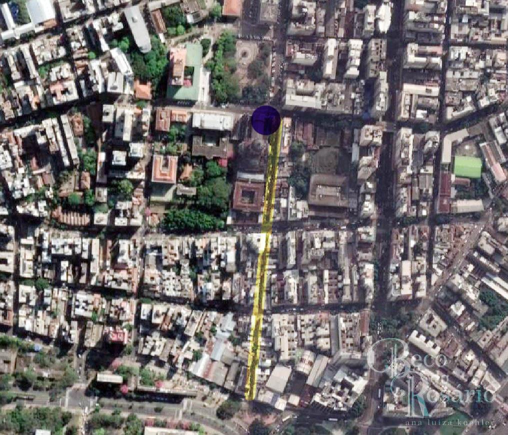 Edição sobre imagem do Google Maps. Localização da capela do Império (azul) e rua Espírito Santo (em amarelo).