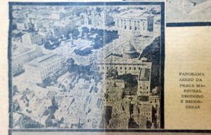 Vista aérea da Praça da Matriz, com o antigo auditório Araújo Viana e o Arquivo Público à direita.. Correio do Povo, 7/7/1929. Hemeroteca do AHMMV.