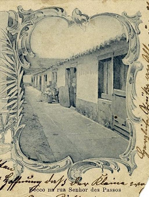"""Postal de Porto Alegre do final do século XIX e início do XX. À direita, detalhe do """"Becco na Senhor dos Passos"""". Fotógrafo e acervo desconhecidos. Detalhe."""