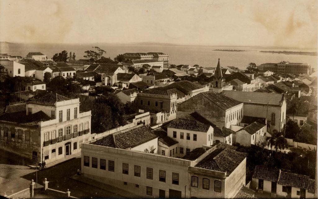 Virgílio Calegari. Rua Riachuelo esq. com a rua Gen. Canabarro, déc. 1900. Foto 239f, Fototeca Sioma Breitman.