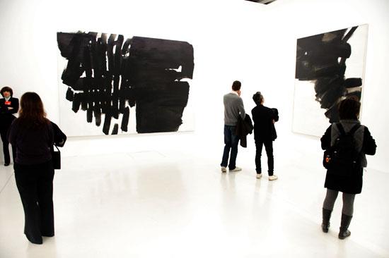 Exposição de Pierre Soulages no Centro Pompidou